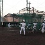 練習に精を出す上尾高校野球部員たち