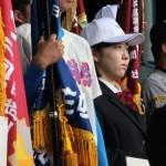 開会式リハーサルに参加した岡崎大輔主将(左)と鳩貝沙耶佳さん